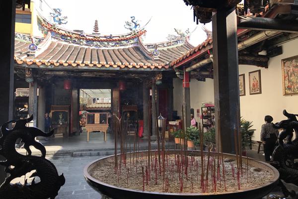 Tamsui Longshan Temple