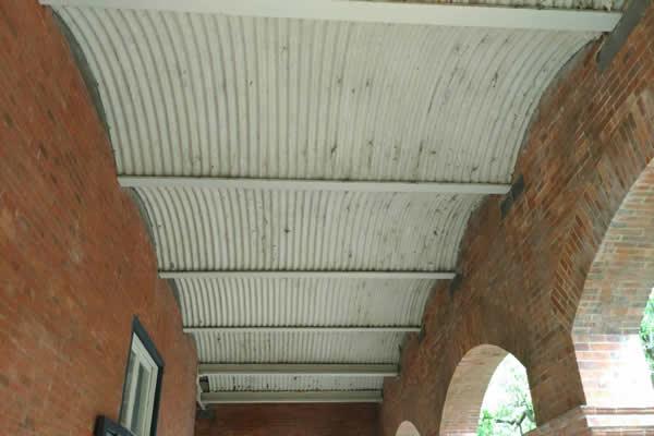【Iron I-Beam and Corrugated-Iron Arches】